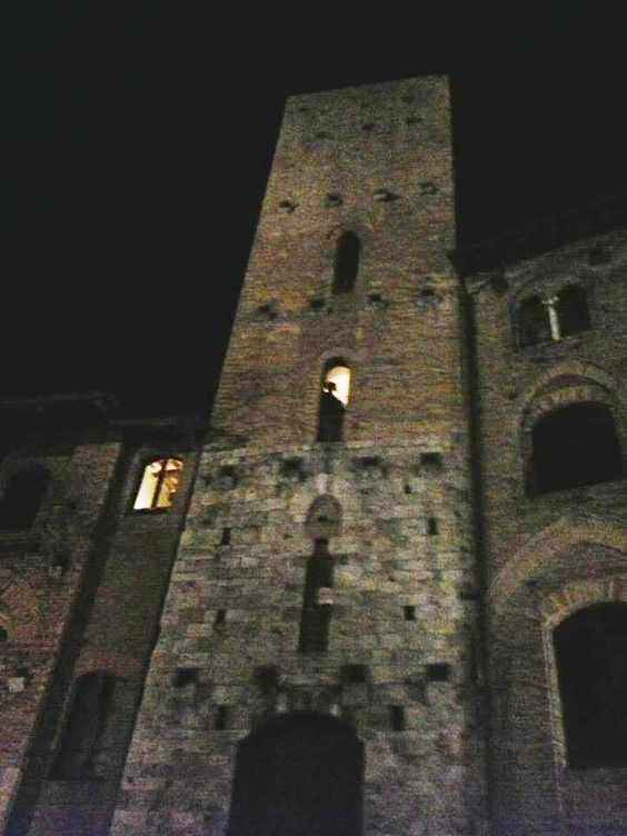 san gimignano tower night