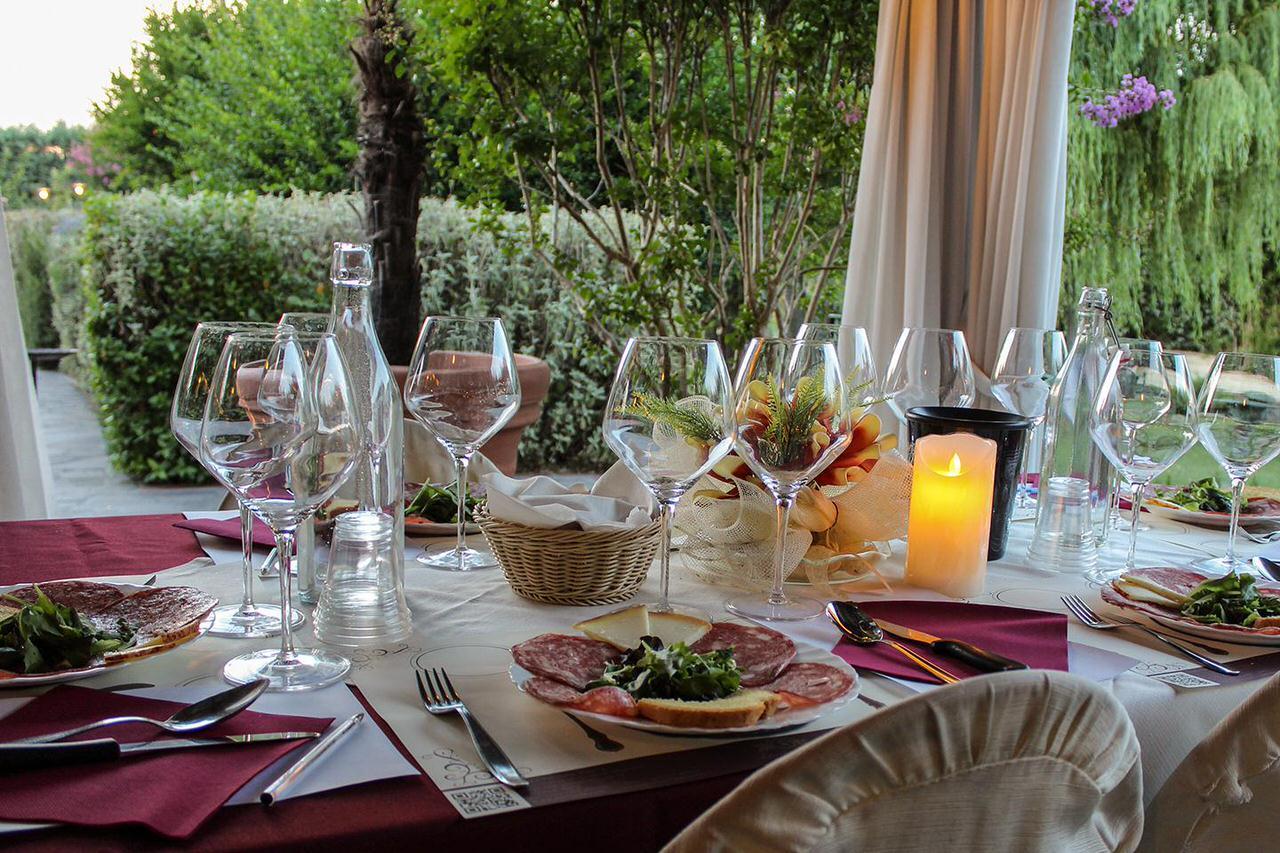 outdoor-dinner-tenuta-torciano
