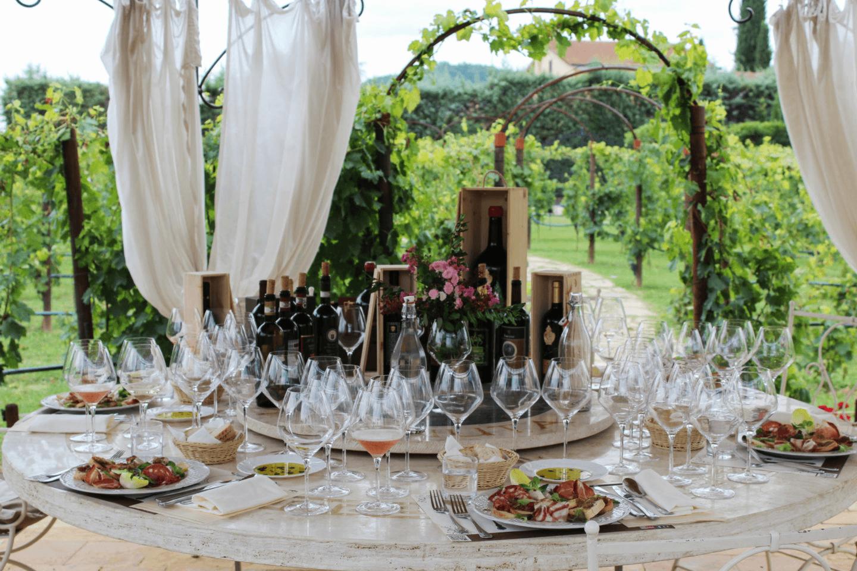 lunch-in-vineyard-tenuta-torciano